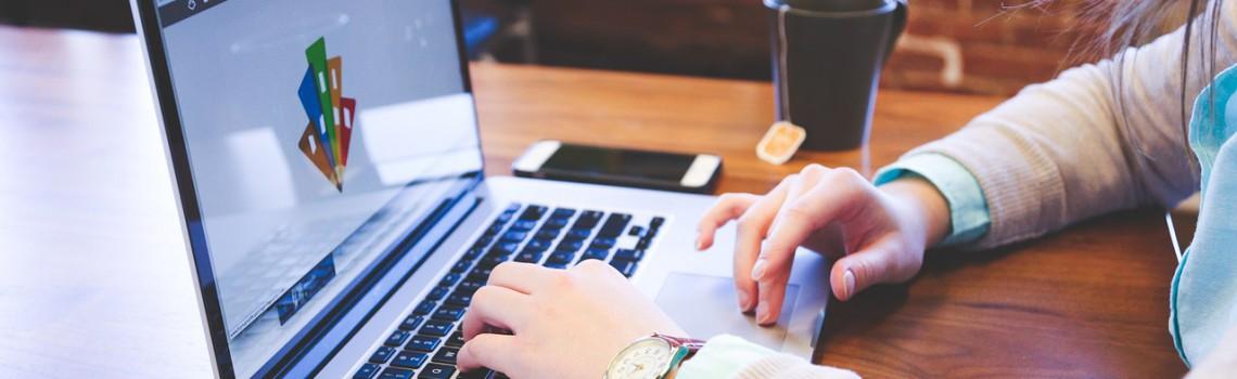 Vous êtes prestataires de services web ?